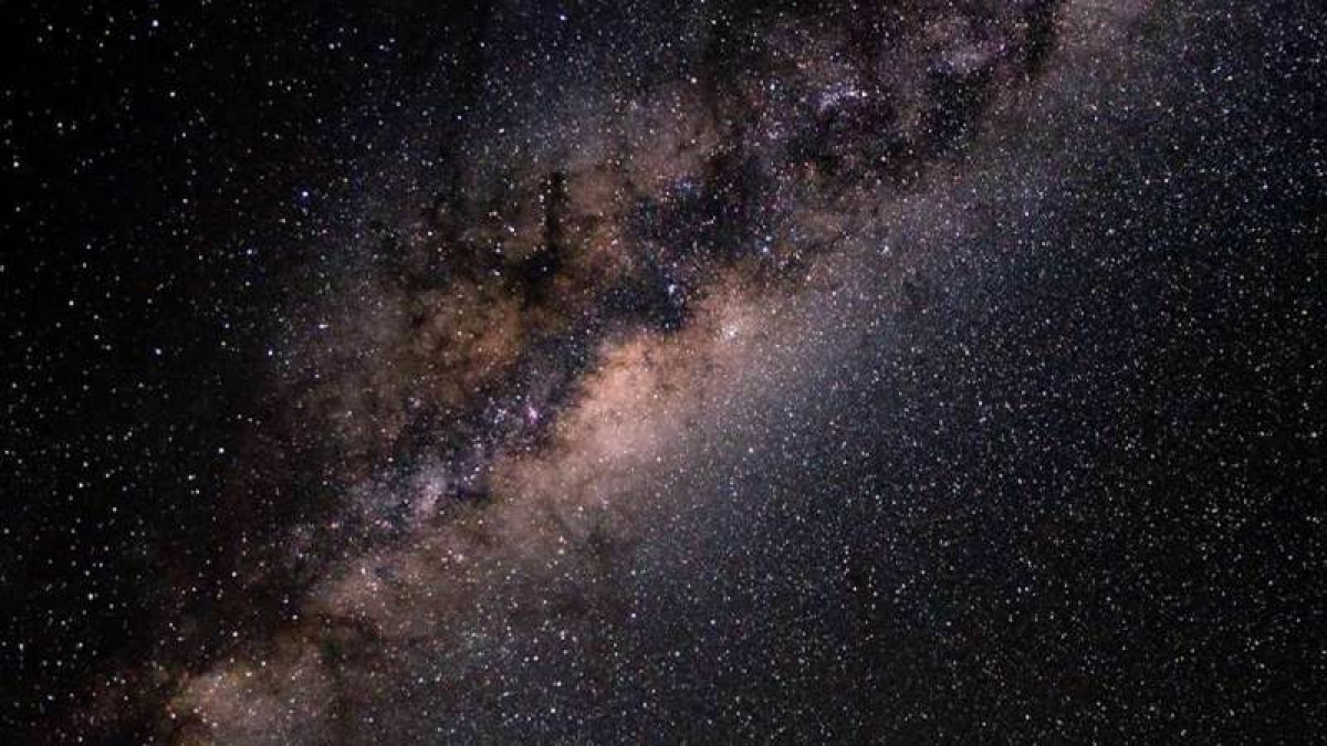 Milky Way weighs about 1.5 trillion solar masses