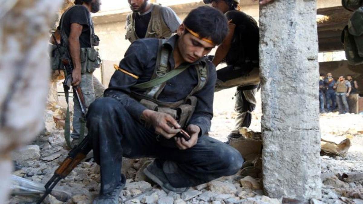 Rebels pound regime in Aleppo battle prelude: Monitor