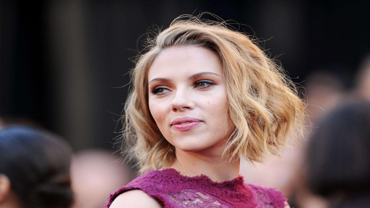 Scarlett Johansson draws criticism for playing transgender role
