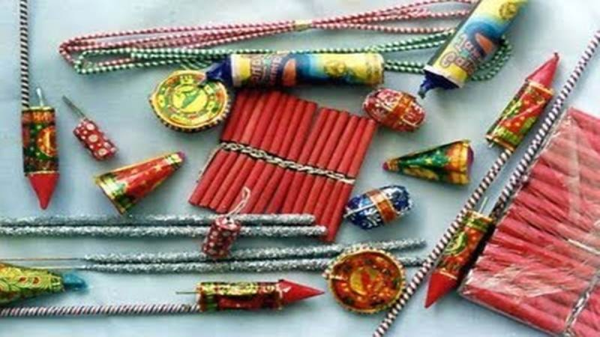 Tak cracker ban violators to task, Calcutta HC orders Bengal government