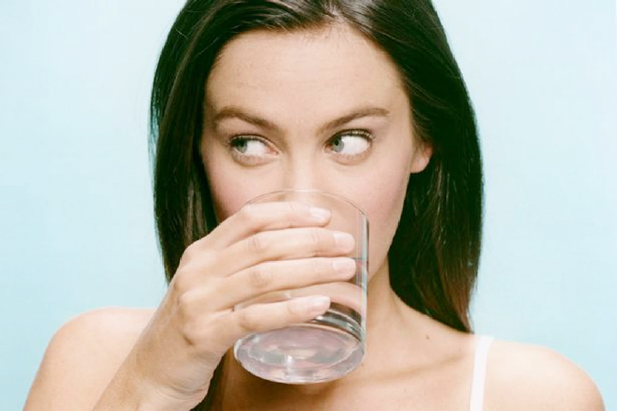 Drinking eight glasses of water harmful for health?