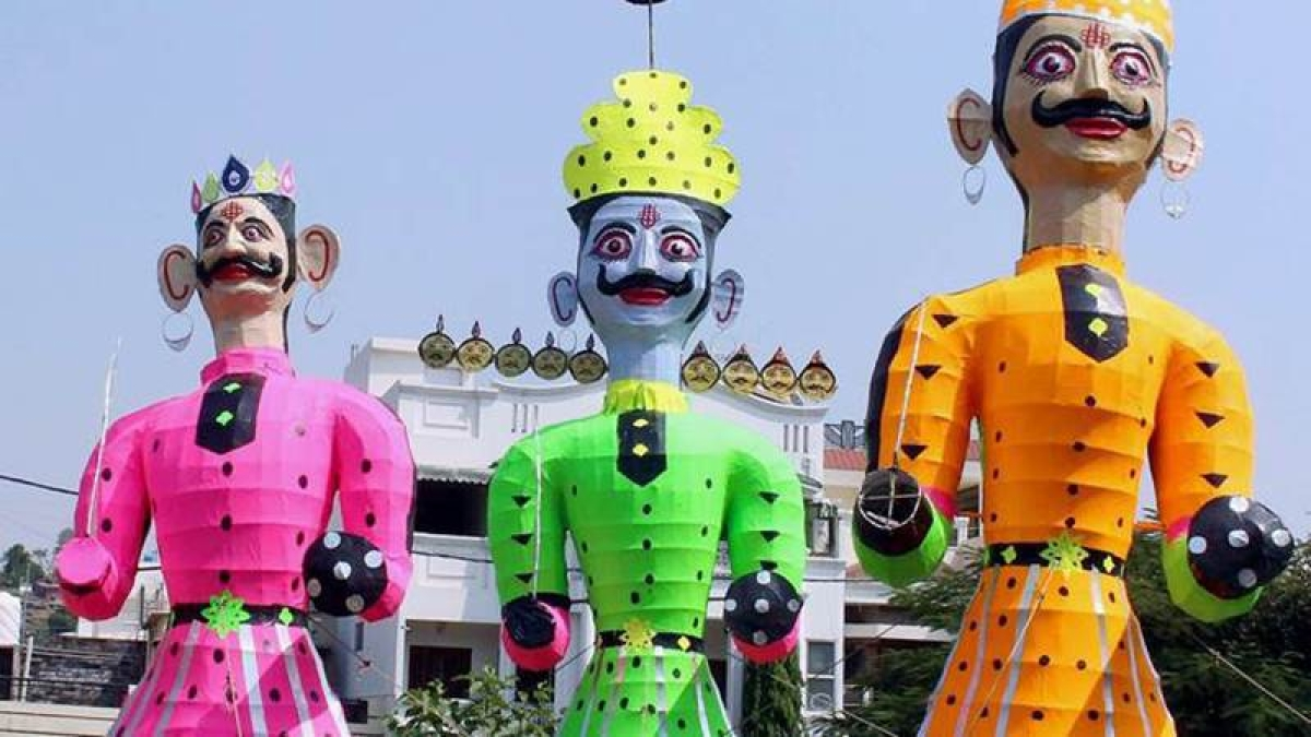 Muslim family from UP's Rampur is making 'Ravana' effigies for decades