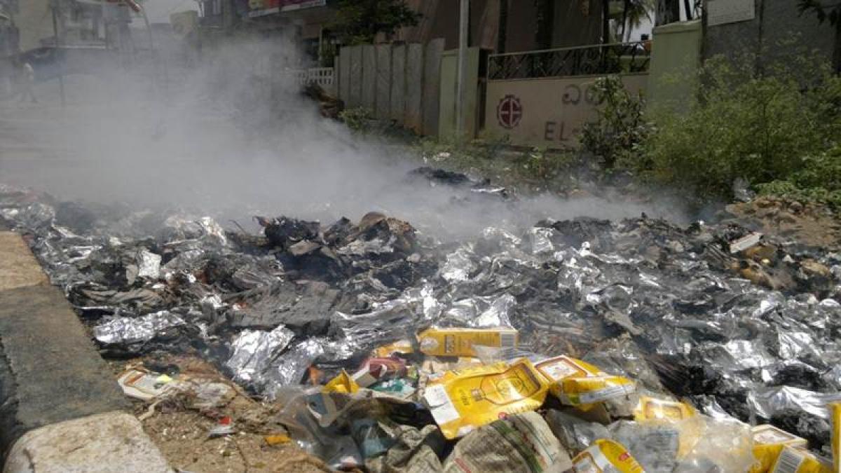Roadside trash burning ruining Indians' health