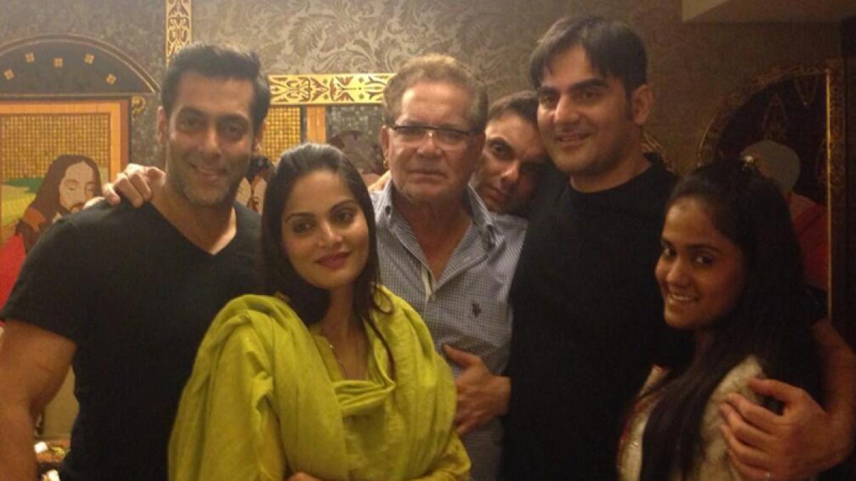 That's how Salman Khan'daan' celebrated Diwali