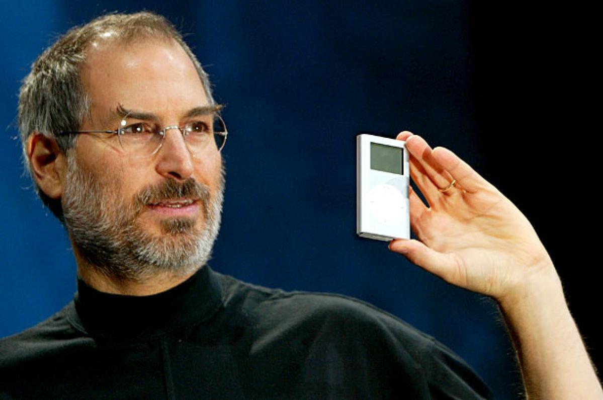 Apple iPod turns 15 still makes people groove