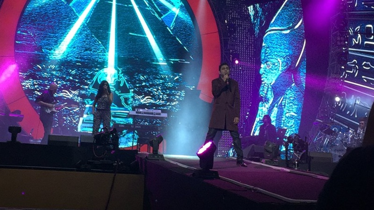 Global Citizen Live: Big B and Farhan shares stage, A R Rahman charms audience