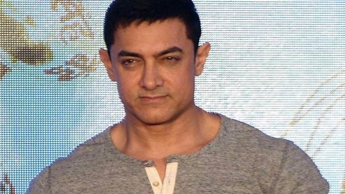 Not happy that I am smoking again: Aamir Khan