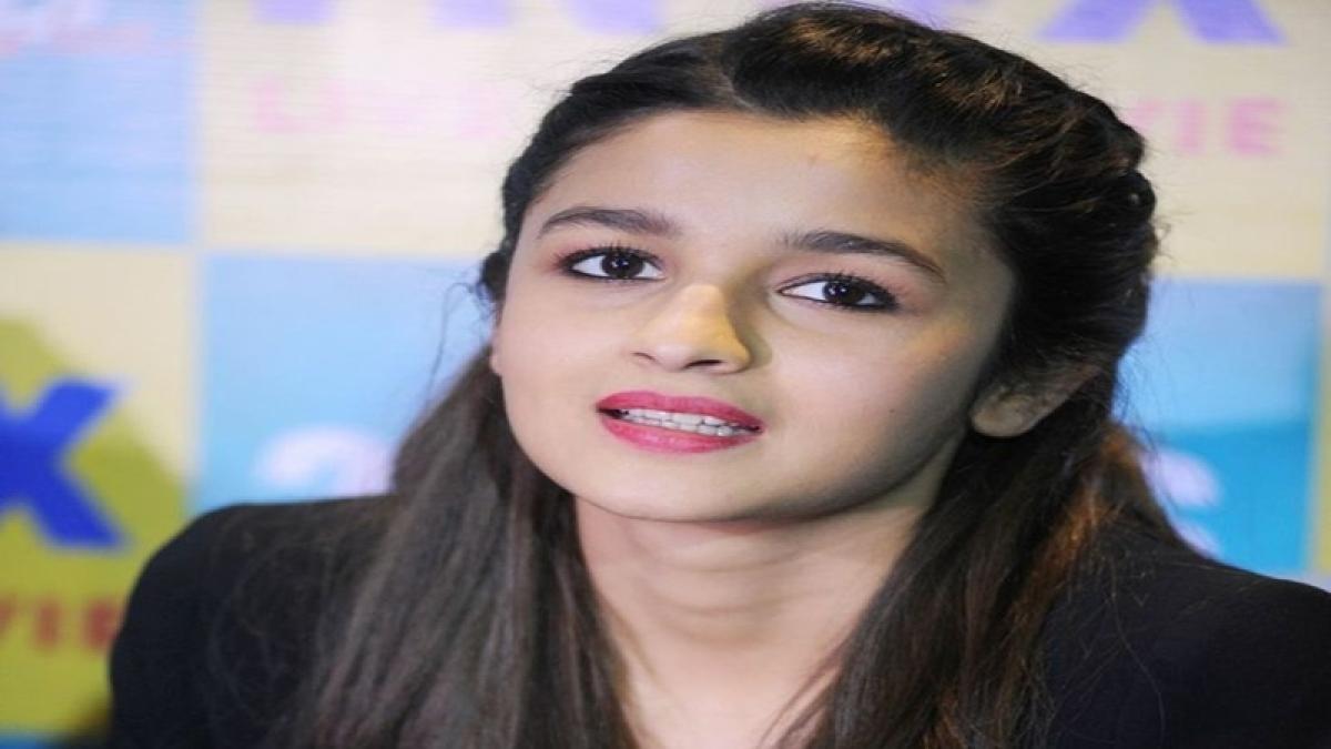 Shah Rukh is always open to opinions: Alia Bhatt