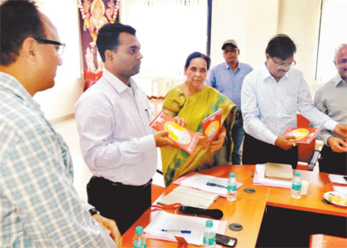 Madhav Science College annual magazine 'Pragya' released in Ujjain