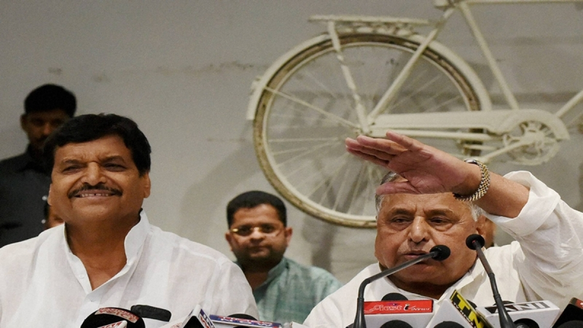 Mulayam, Shivpal send SP unity message at Akhilesh rath yatra