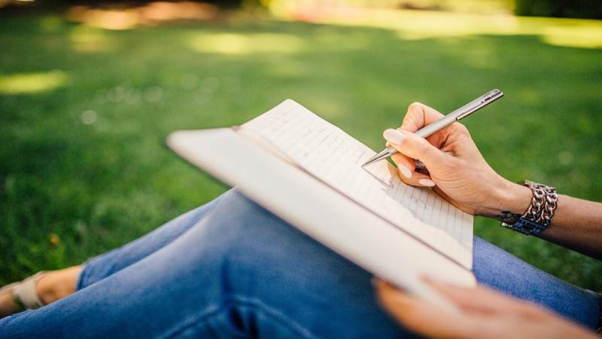 Writing poetry may boost your daily wellbeing: Study