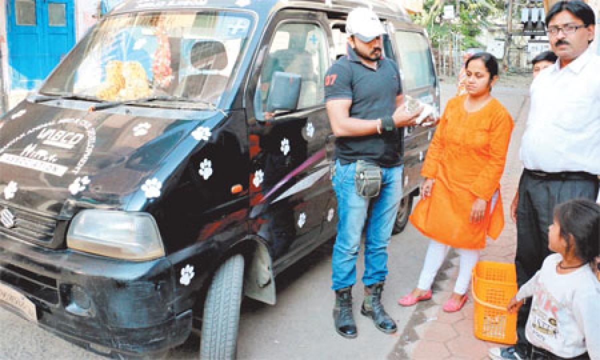 Indore: VABCD celebrates Diwali by serving injured animals