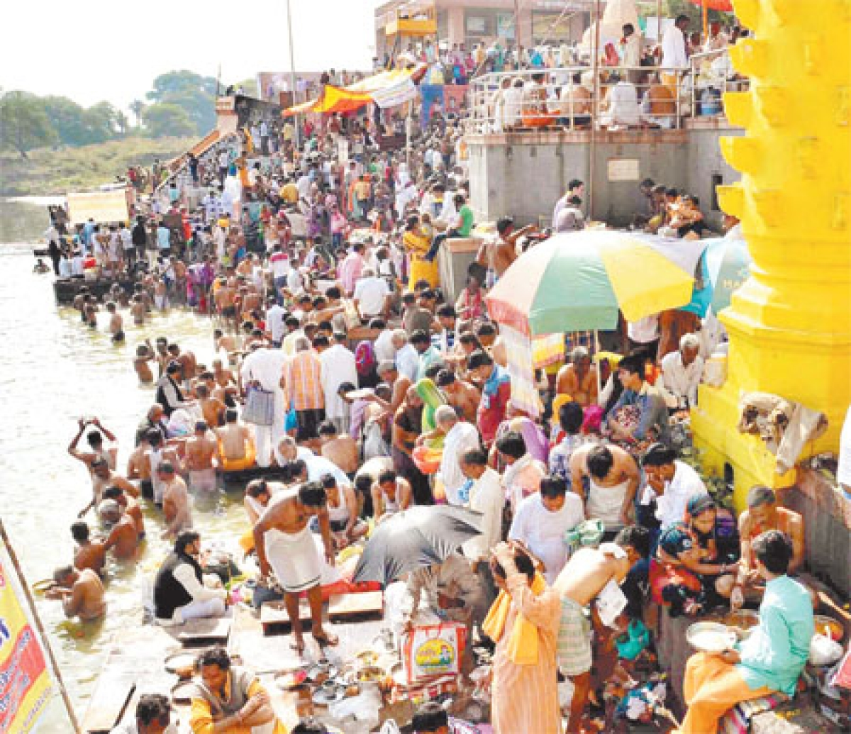 Vaikunth Chaturdashi: People offer tarpan & pinddaan to ancestors in Ujjain
