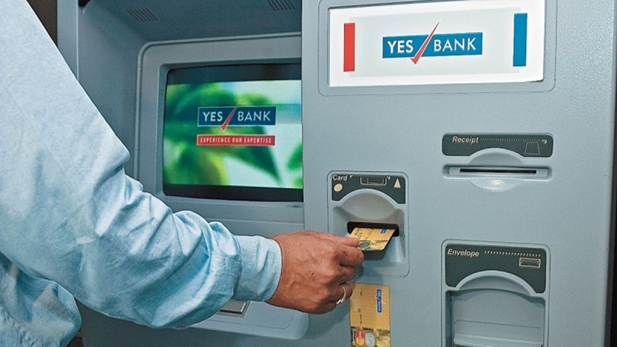Govt puts off raising ATM withdrawal limit to `4000