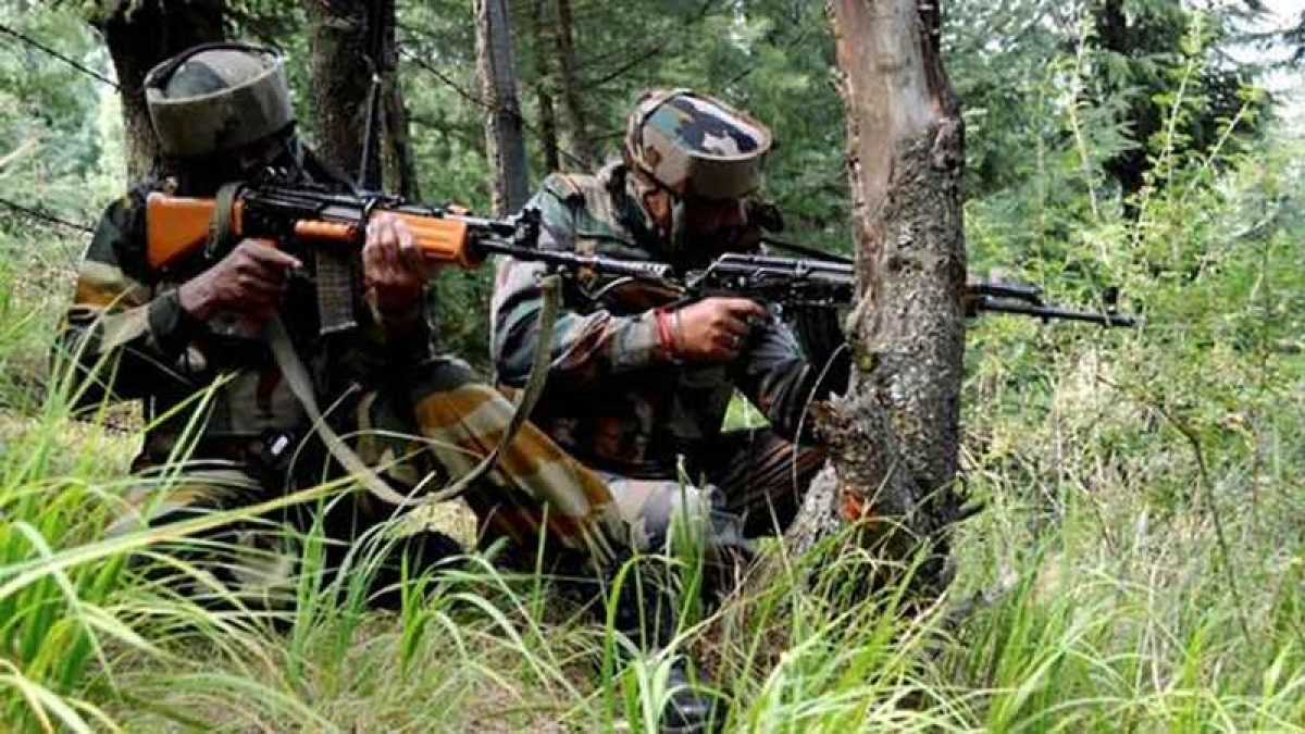 One CRPF jawan killed, 5 injured in Naxal attack in Chhattisgarh