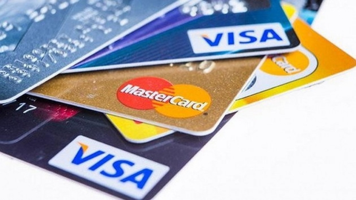 Go cashless to save cash, 10 major incentives you must know about!