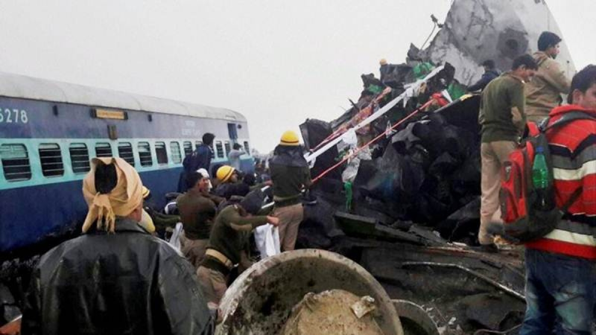 146 dead in Kanpur train accident, forensic probe ordered