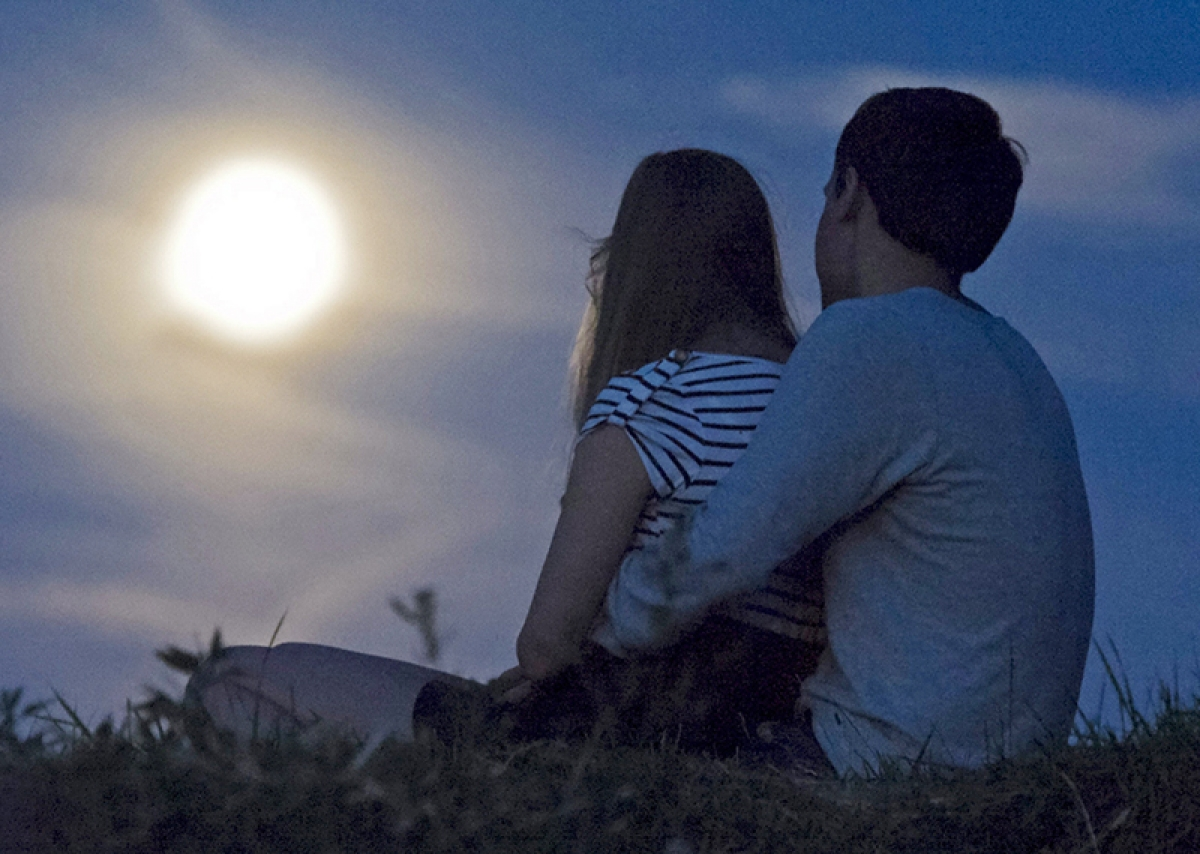 Don't miss your date with largest 'supermoon' today