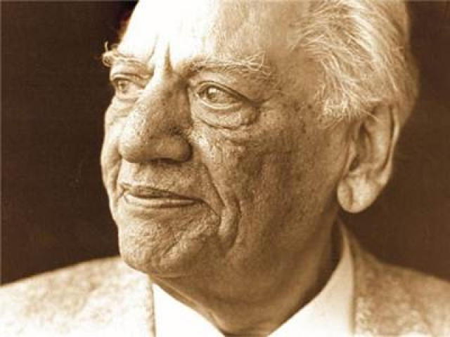 Shayaris: Our ten most poignant picks from Ghalib to Gulzar