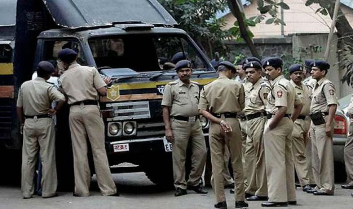 Mumbai: Cops nab man who posed as girl to lure brides on Facebook