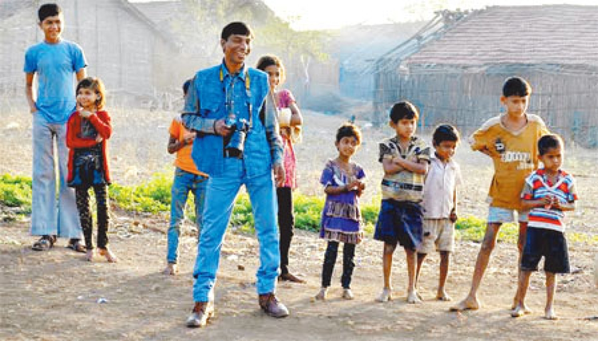 Indore: Clicking smiles into lives of poor children, saysBalwant Chauhan