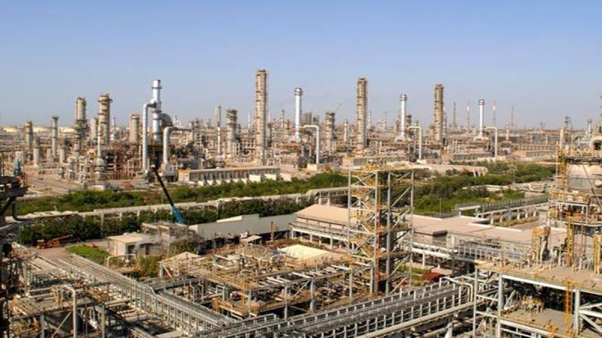 Saudi Aramco in talks with Reliance for stake in petchem, oil project