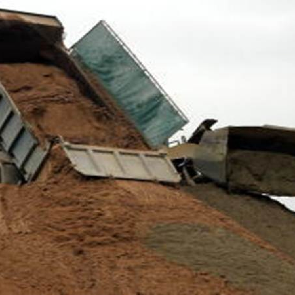 Tehsildar suspended for 'protecting' interests of sand mafia
