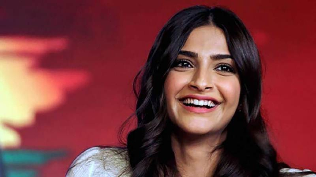 """""""Tiger Shroff's is a lucky boy that Ram Gopal Verma doesn't like him"""", says Sonam Kapoor"""