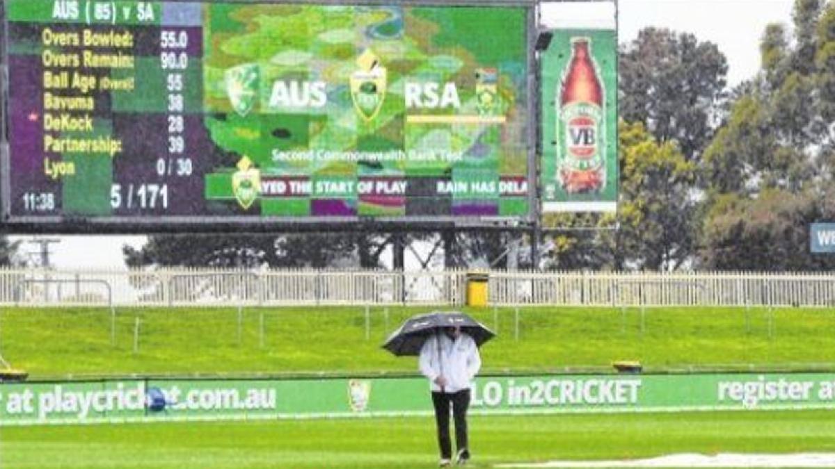 OZ urged to score  ugly runs: Starc