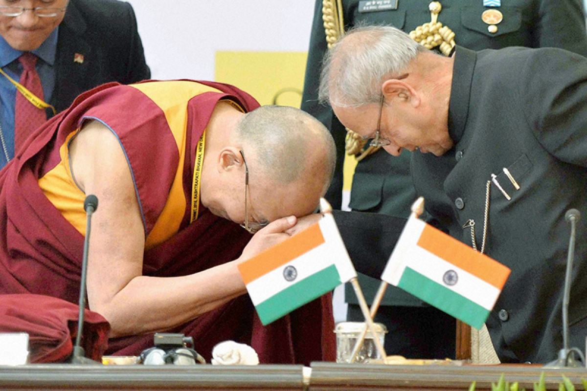China protests Prez's meeting with  Dalai, warns of disturbance to ties
