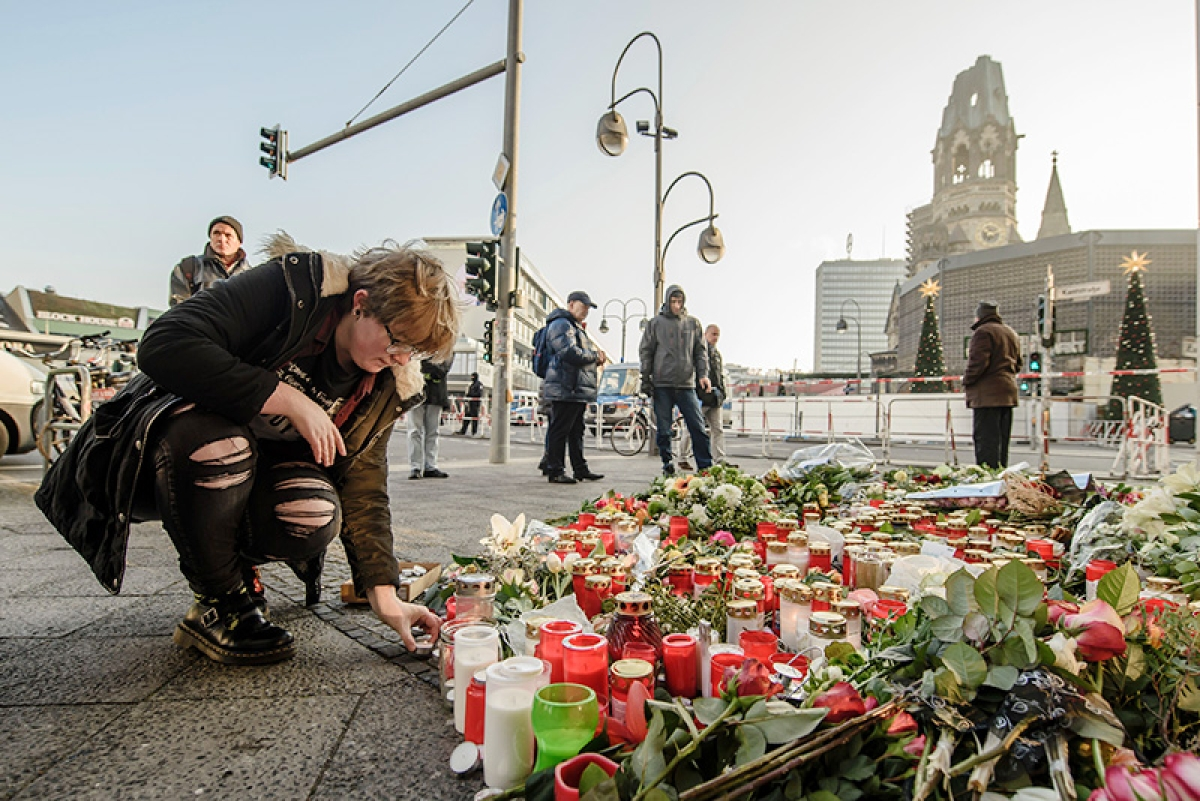 Hunt on for Tunisian suspected of carrying out Berlin carnage