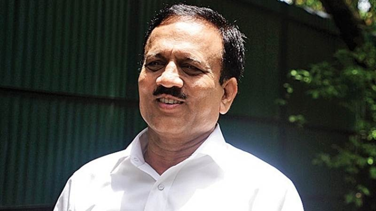 Radhakrishna Vikhe Patil's entry into BJP will be unconditional, says Girish Mahajan