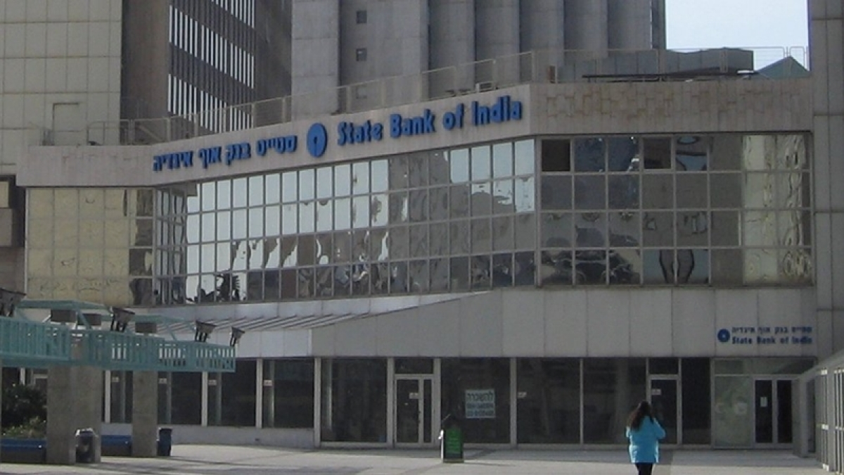 Demonetisation: Three days bank holiday may add to people's miseries