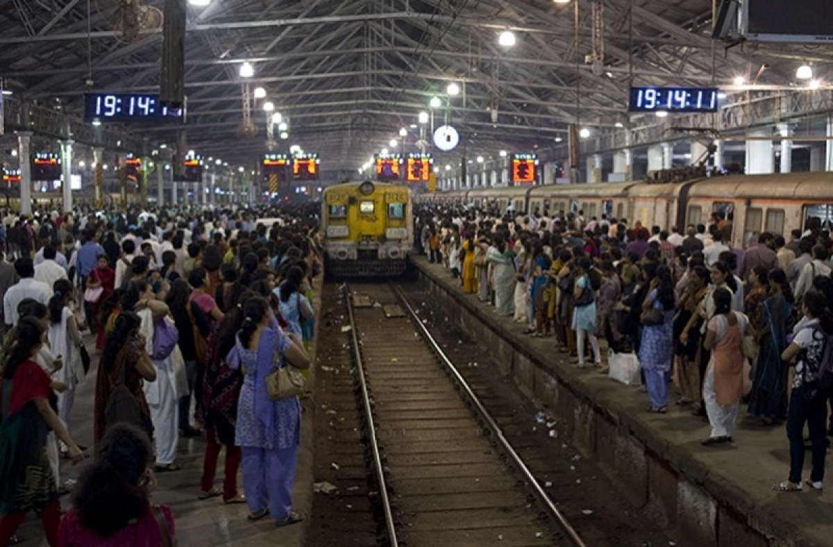 Mumbai: Railways to conduct mega block on Central, Harbour, Western line; train services to remain affected today