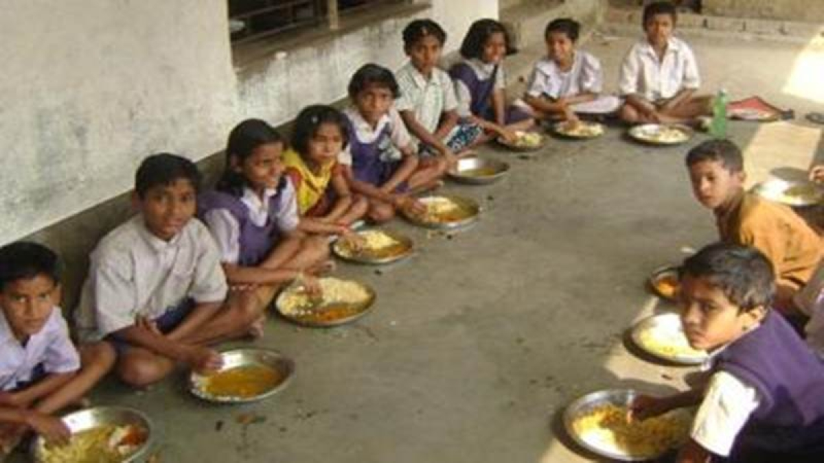 Rajasthan: One dies, six fall sick allegedly after consuming mid-day meal in Chittorgarh