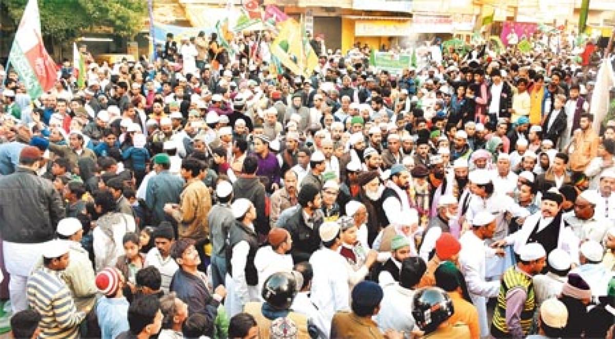 Indore: Milad-un-Nabi celebrated with fervour