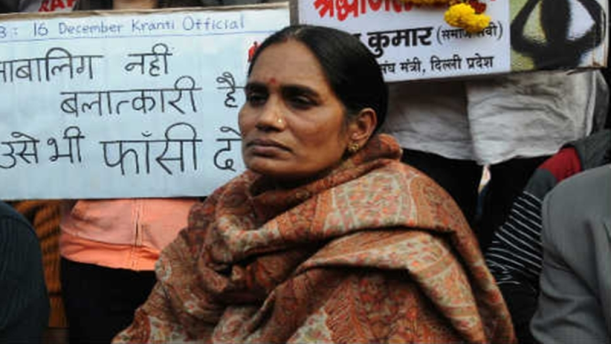 On 6th anniversary of Nirbhaya case, her mother advises girls not to consider themselves weak