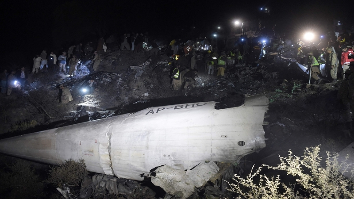 PIA pilot lost engine control, made 'mayday call' before crash