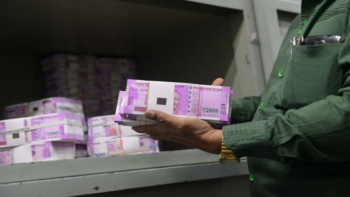 Five held at Chennai airport with Rs 1.34 crore in Rs 2000 notes