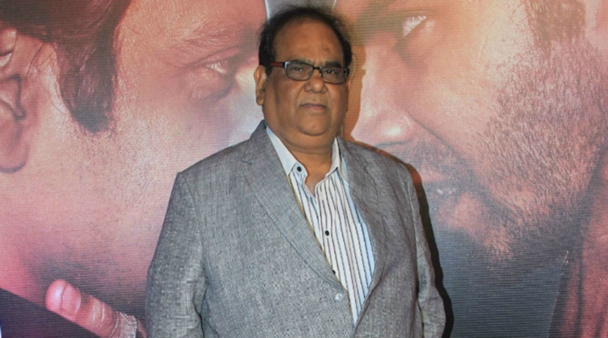 Satish Kaushik turns travel agent