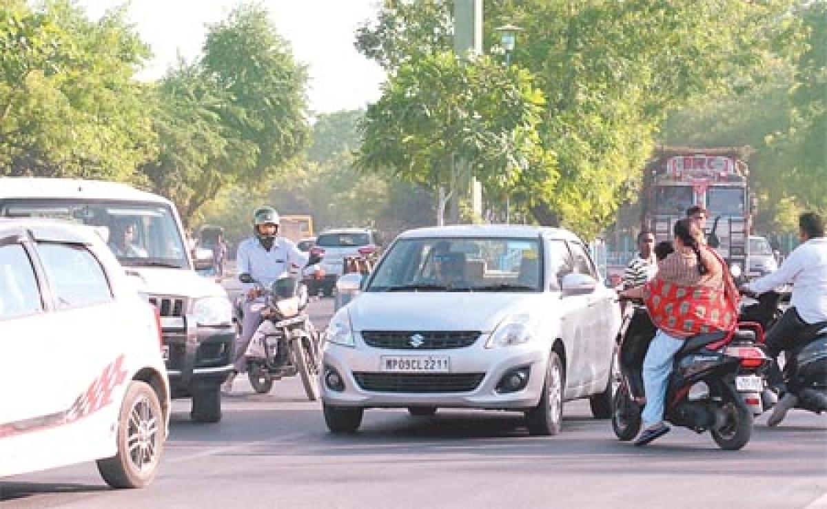 Mumbai: City faces huge traffic jams at entry points