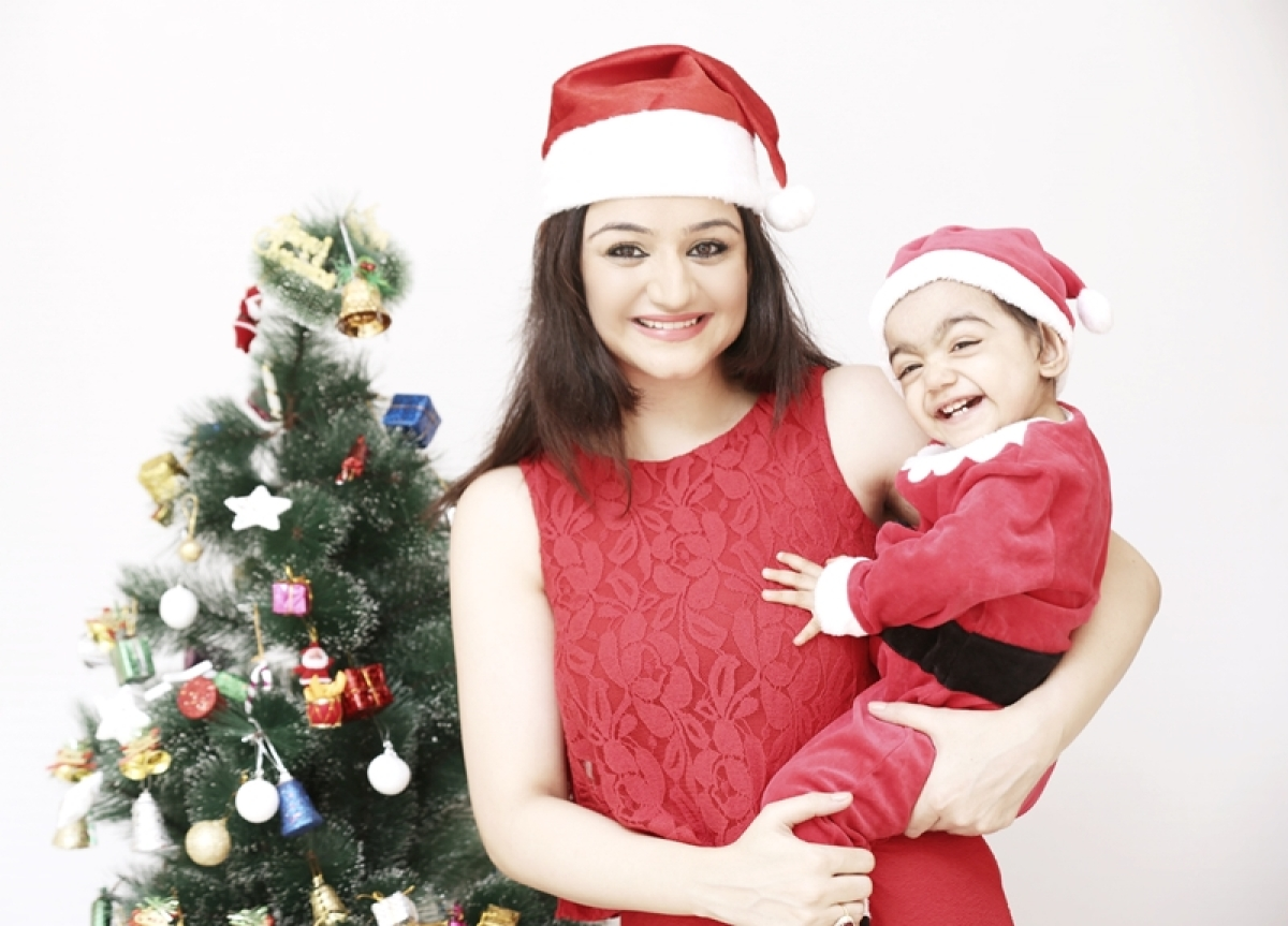 Dil Deke Dekho fame MuskaanMihani celebrate Christmas with daughter Mannat!