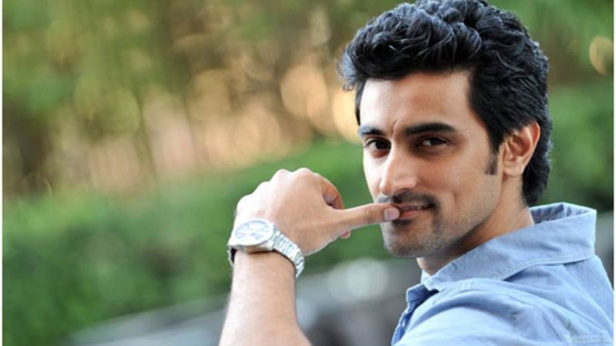 Kunal Kapoor's definition of true independence is getting rid of small mindsets that cause hindrance in whatever we do