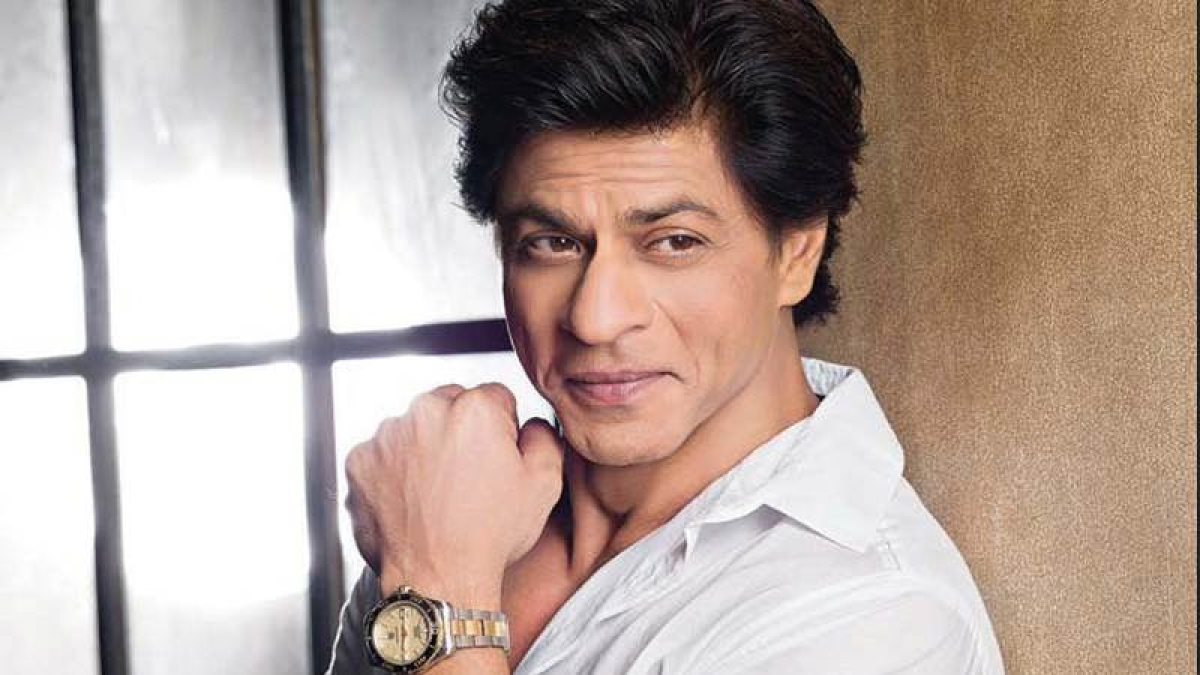 SRK lets the audience takes over
