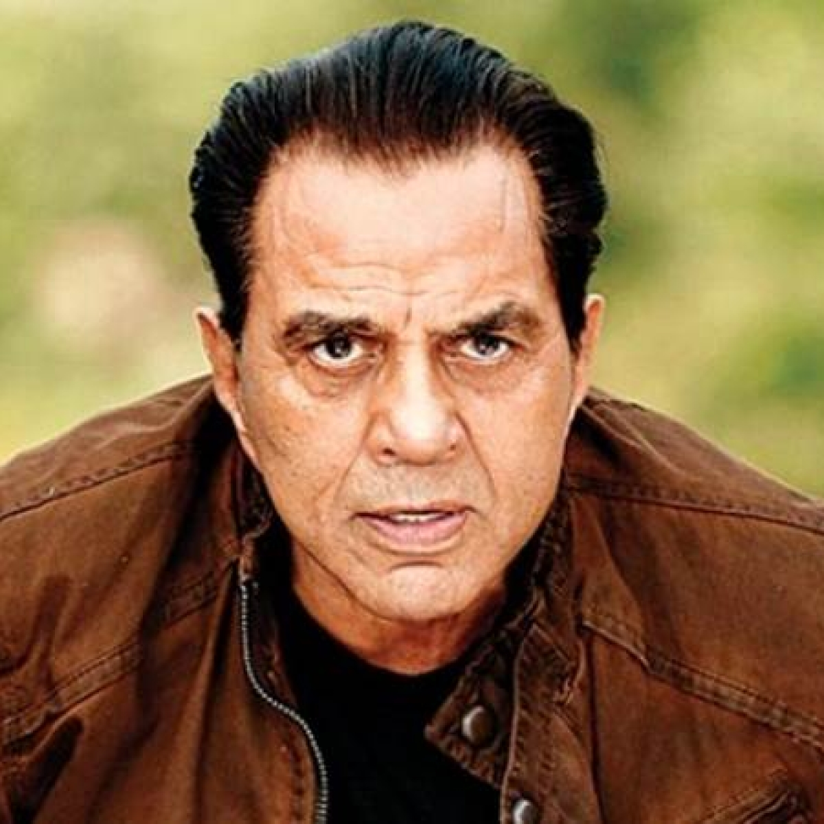 After being targeted by trolls, Dharmendra explains why he deleted tweet over farmers' protest