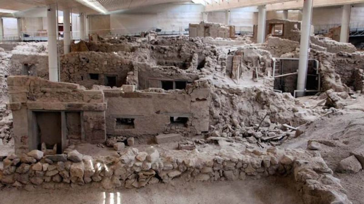 2,500-year-old city discovered in Greece