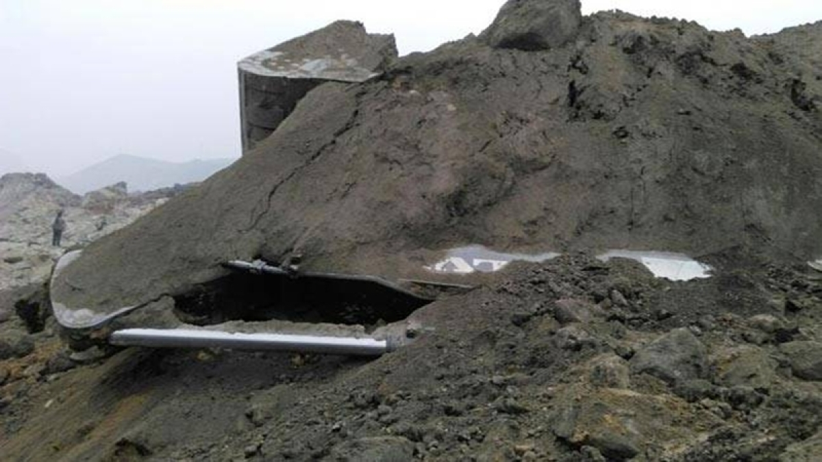 Mine collapses in Jharkhand's Lalmatia, 50 workers fears trapped