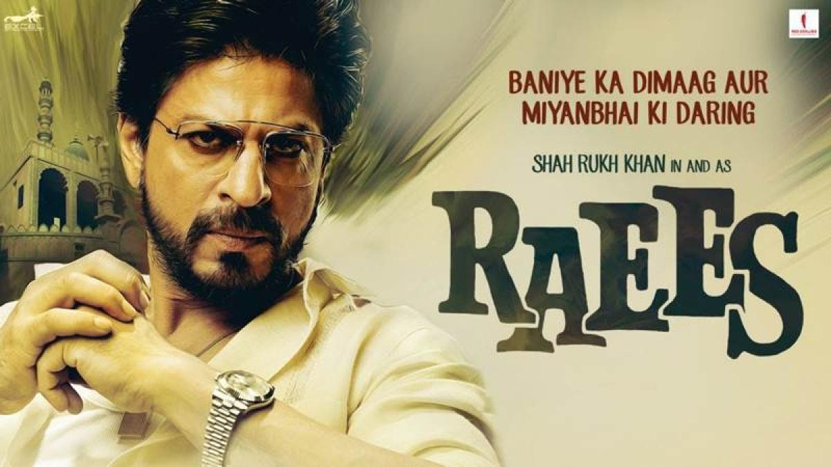 Shah Rukh Khan to sport three looks in 'Raees'