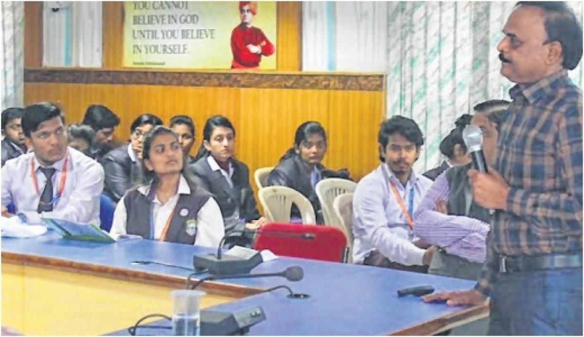 Bhopal: Swami Vivekananda Jayanti celebrated at BSSS