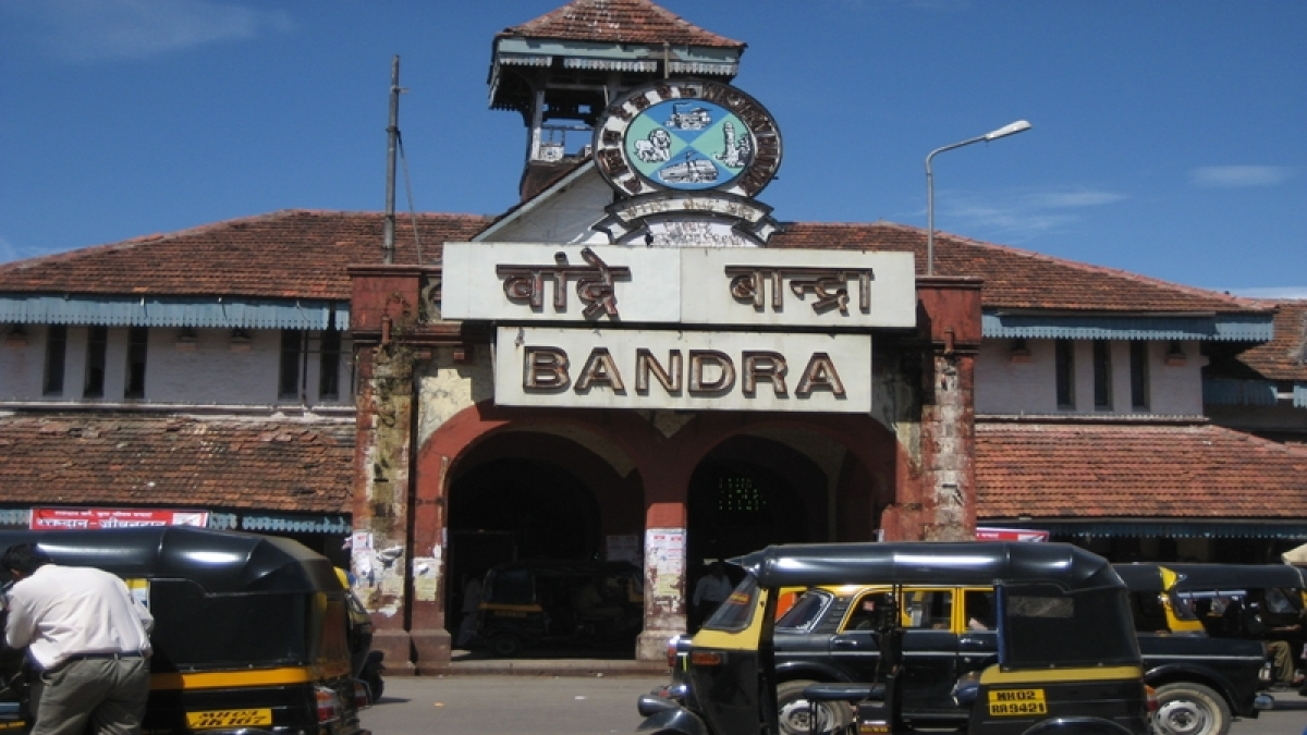 Mumbai: Councillor demands rail bazaar in stations to avoid encroachment of footpaths